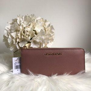 NWT Michael Kors large 3/4 zip wallet PRICE FIRM